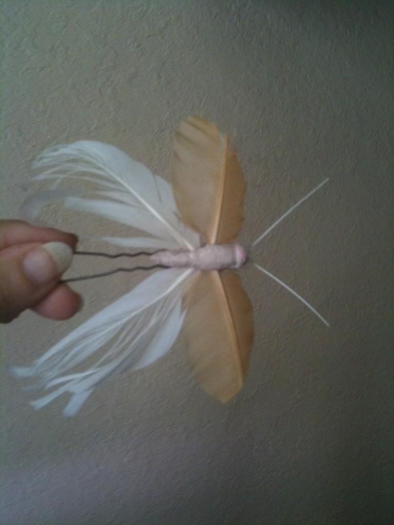Accessoires pics à cheveux mariage plume de poule