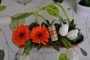 composition florale mariage orange et blanche
