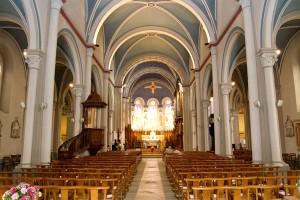 mariage rose et blanc église
