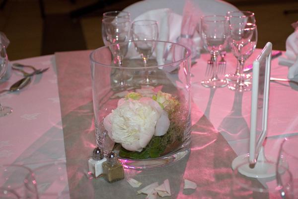 mariage rose et blanc déco table