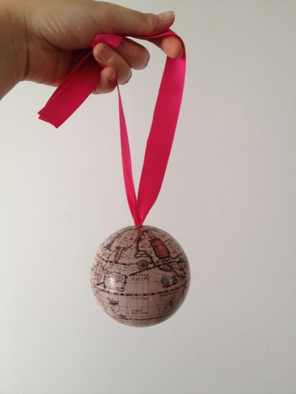 porte-alliance-mariage globe voyage