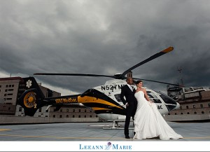 mariés en hélicoptère