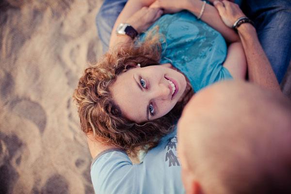 Notre séance d'engagement sur la plage et dans les champs