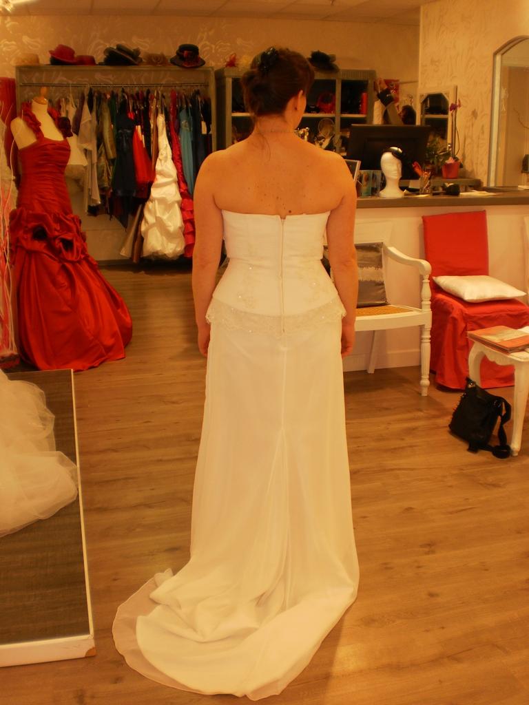 The robe est sous mes yeux et je ne la vois pas encore...