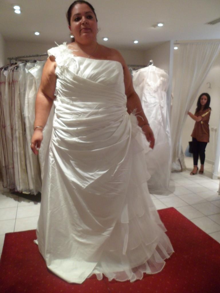 Essayages de robes de mariées grandes tailles