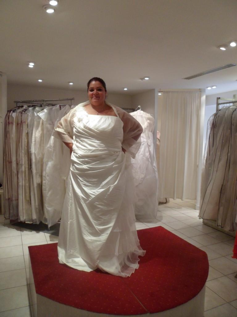 Mes essayages pour trouver ma robe de mari e grande taille for Robes violettes plus la taille pour les mariages