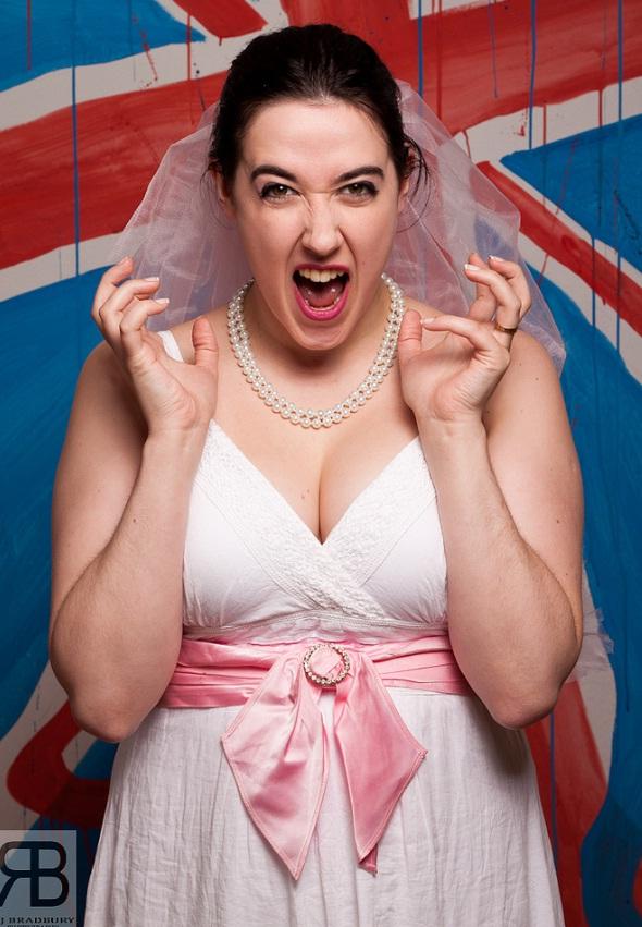 L'univers impitoyable du mariage : les magasins de robes de mariées