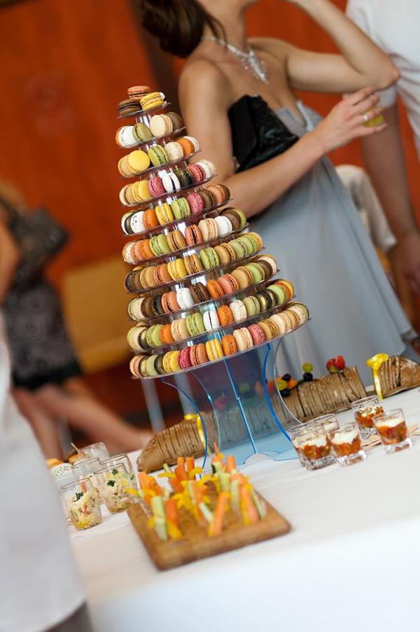 Un Mariage Fun Et Orange Avec Un Buffet De Dessert De