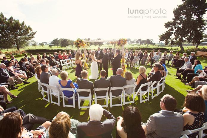 Circle Seating Arrangement For Beach Wedding: Créer Une Cérémonie Laïque Bilingue