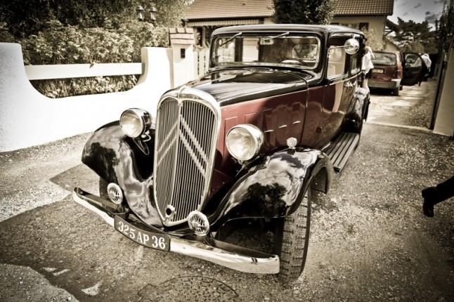 mariage rouge blanc voiture