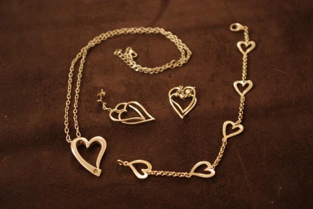 parure bijoux dorés coeur