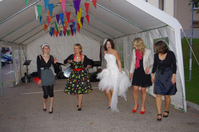 danse invités et mariée