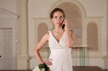 mariée agacée téléphone