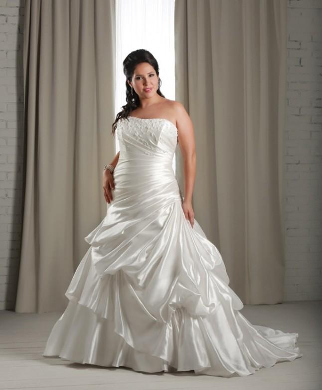 Des robes de mari e pens es pour les grandes tailles for Robes violettes plus la taille pour les mariages