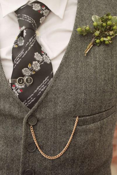 Un marié sans costume 3 pièces… Oui, mais comment alors ?