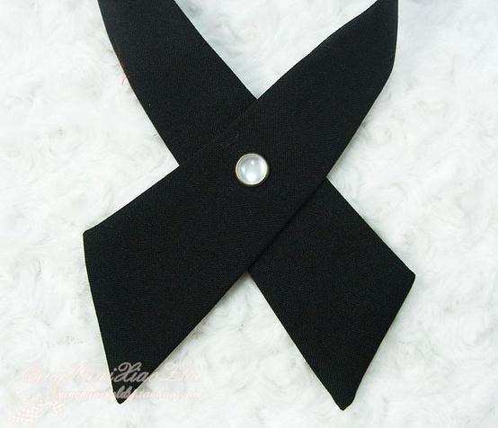 cravate croisée