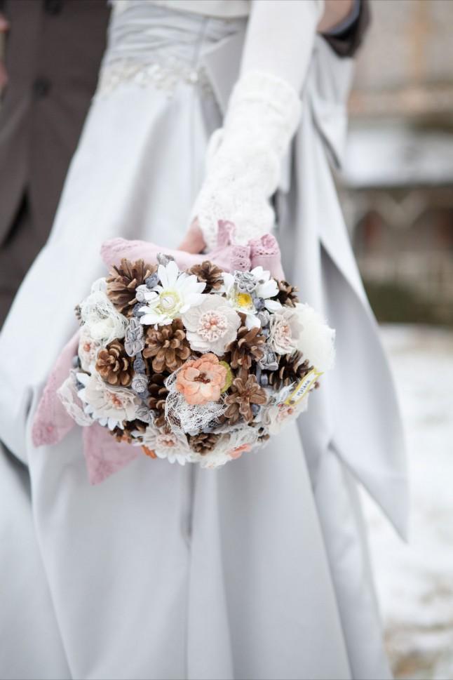 mariage neige chateau mariée rousse bouquet