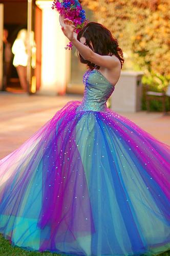Robe arc en ciel nuances bleues et violettes