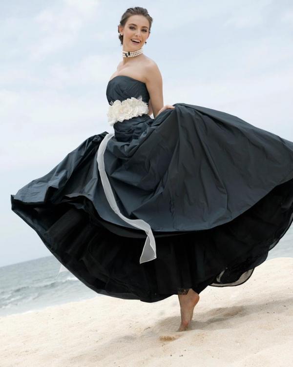 robe Gabana noire ceinture blanche, Marylise