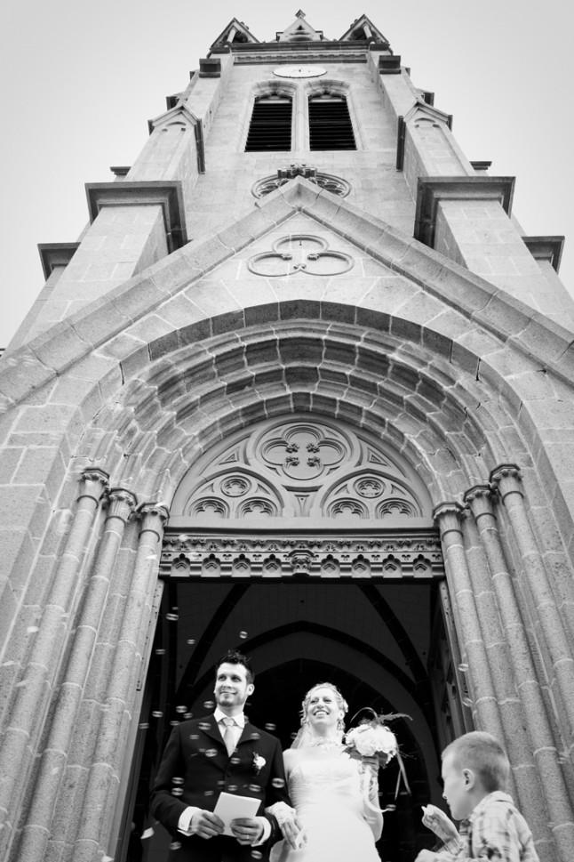 mariage St Méloir des Ondes Bretagne sortie église