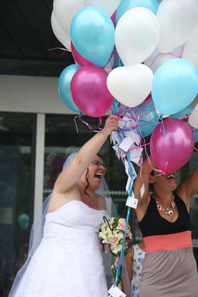 mariage lot et garonne turquoise et fushia ballons
