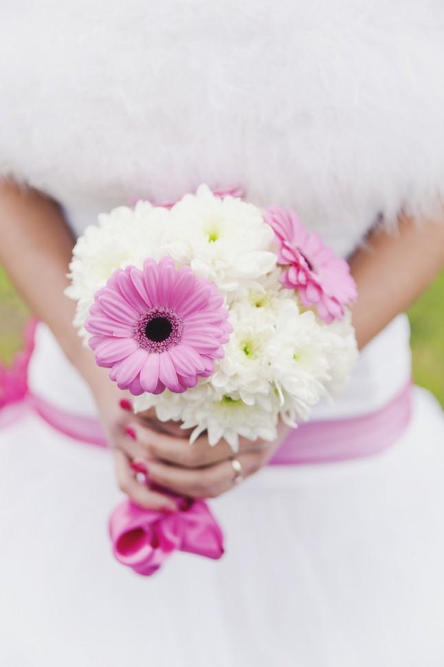 mariage surprise à Lyon - bouquet de mariée blanc et rose