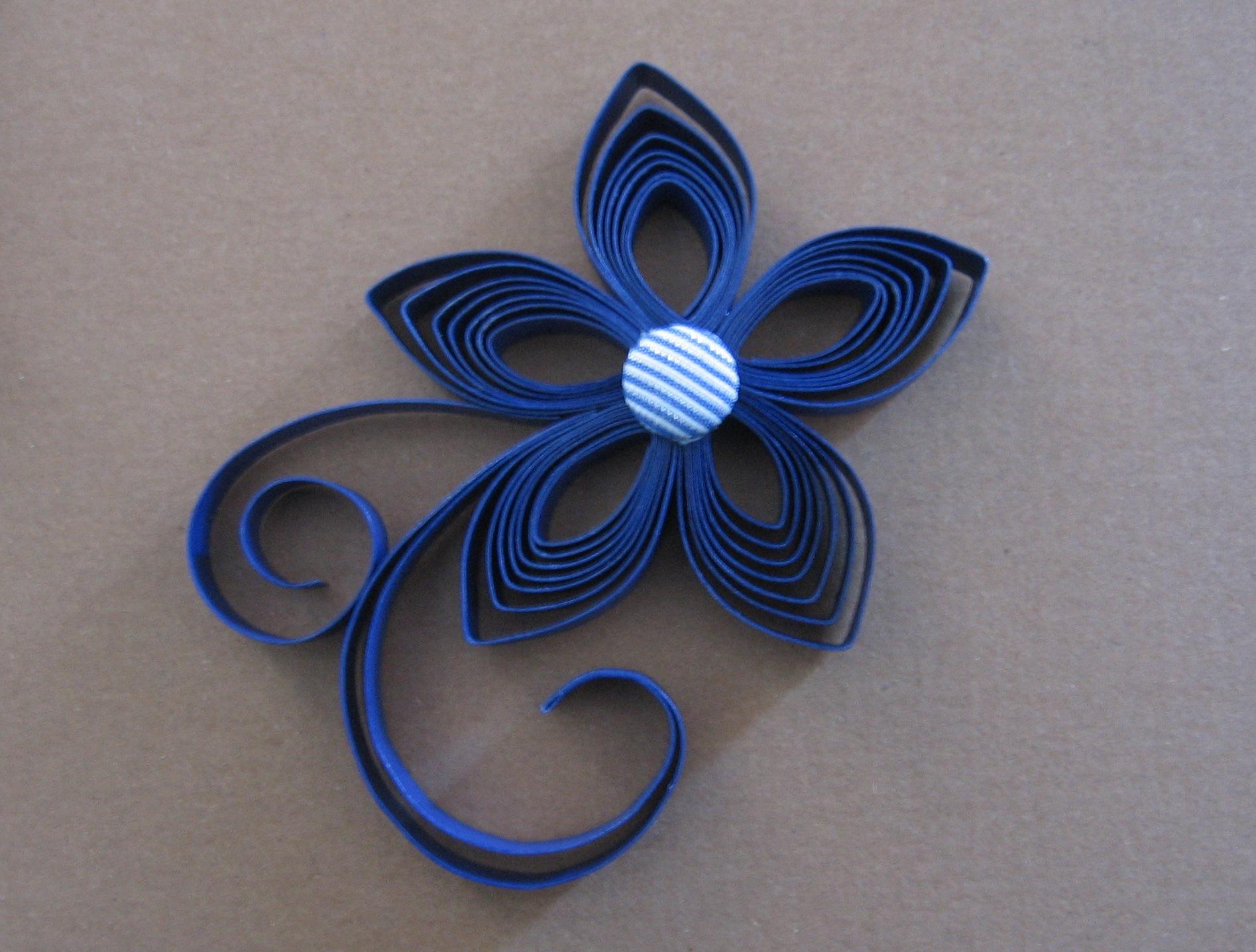 Tutoriel : une fleur en papier pour tes cheveux