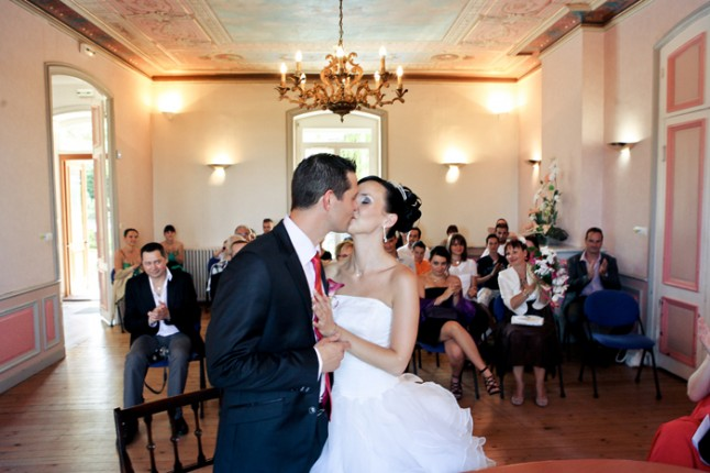 mariage Nelly bisou mairie