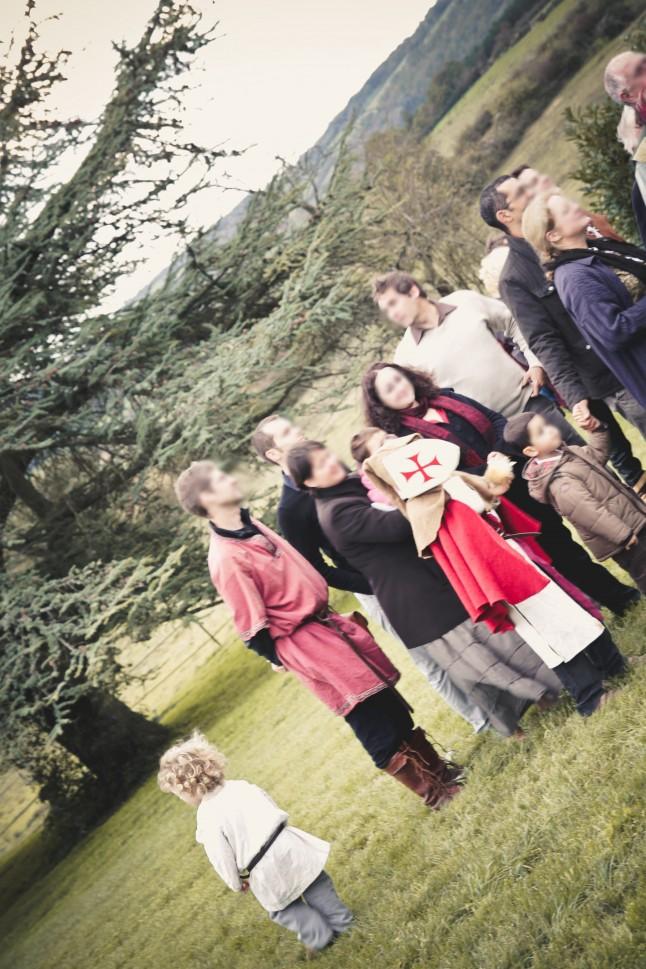 photo de groupe mariage médiéval