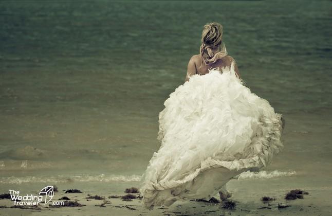 Beach bride hairstyle