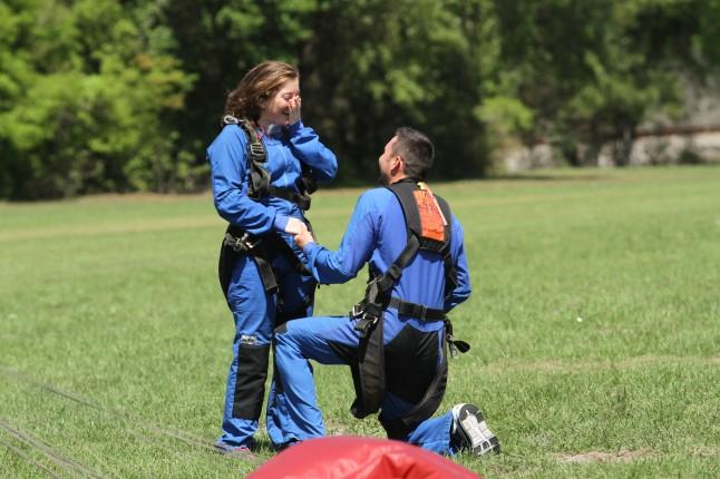 demande en mariage saut en parachute