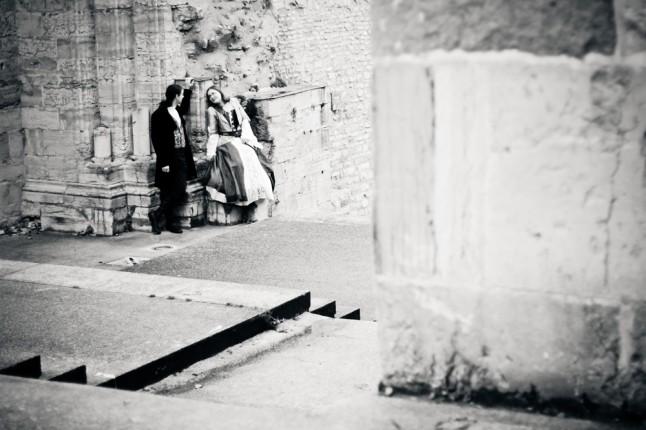 photos de couple mariage médiéval ruines