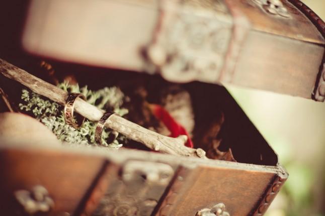 coffret porte-alliance mariage médiéval automne