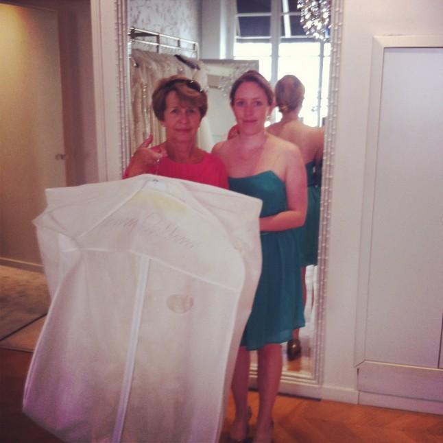 robe de mariée dans sa housse