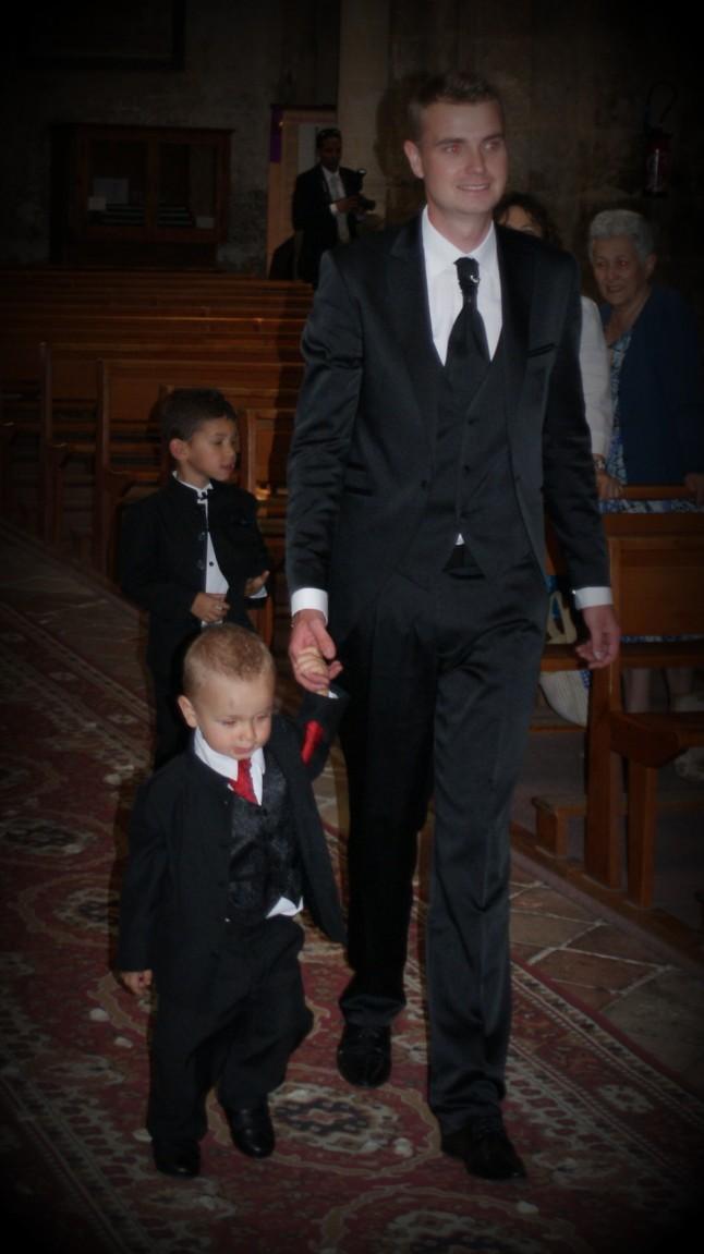 entrée marié avec son petit garçon