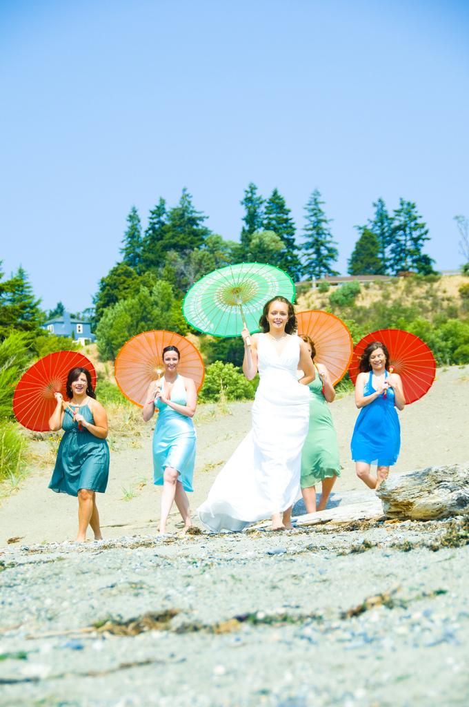 mariage coloré sur la plage