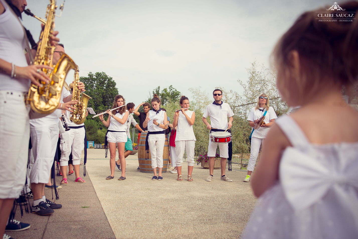 Le mariage de Marie-Line, une feria dans les Landes, en rouge et blanc !
