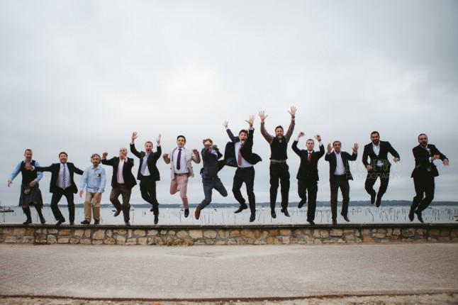 photo de groupe saut mariage au Cap Ferret