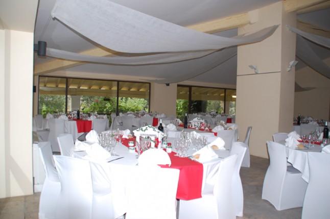 déco salle mariage blanc et rouge
