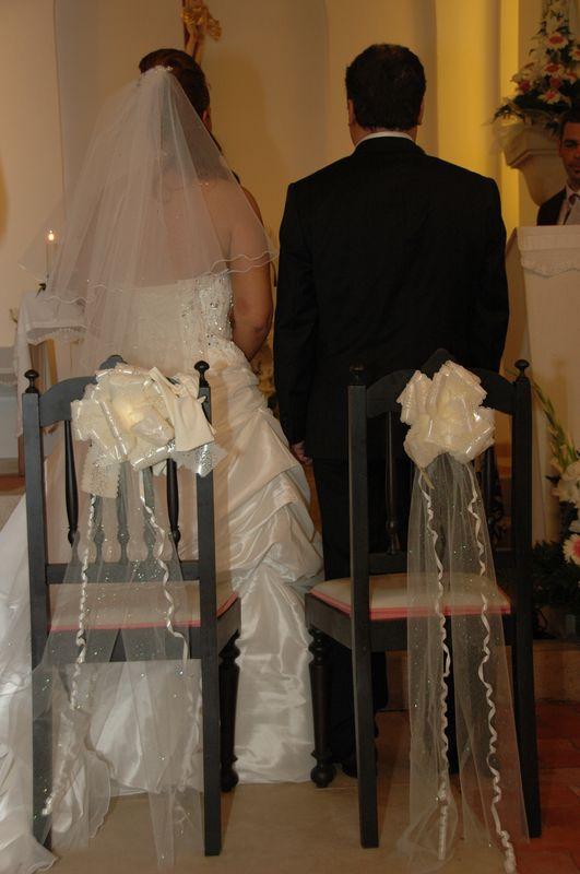 mariage à l'église déco de chaises