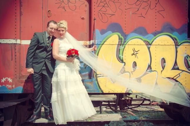 photo de couple train taggué
