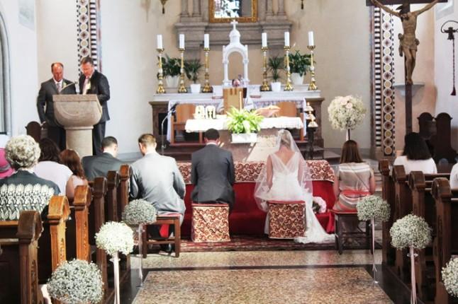 mariage à l'église en Italie