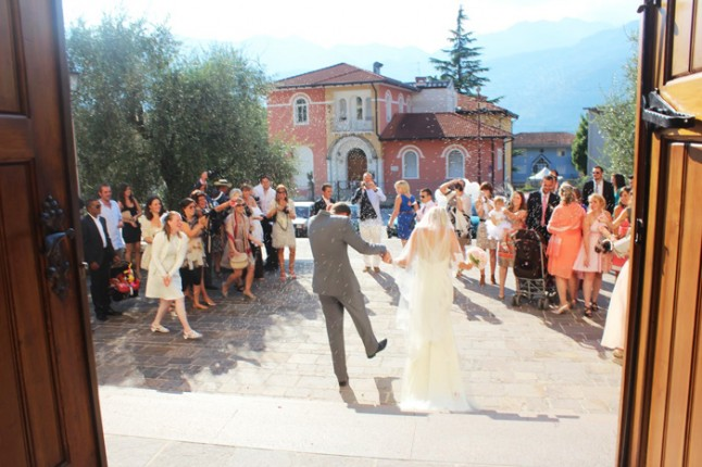 mariage en Italie sortie d'église