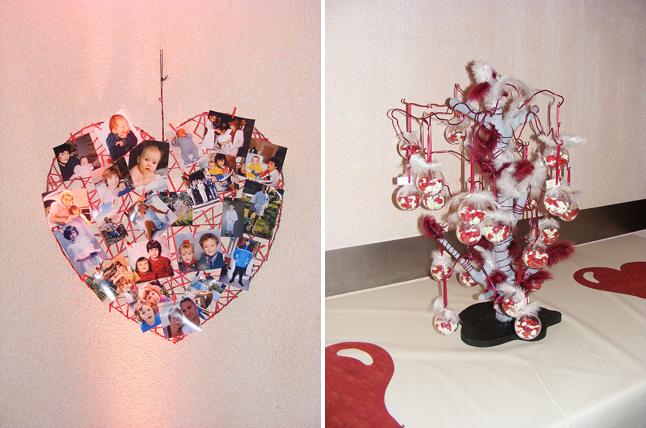 déco de mariage rouge et ivoire coeur photos de famille et arbre à dragées