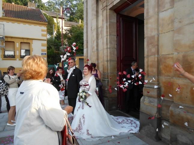 sortie d'église mariage