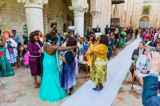 mariage coloré à l'église