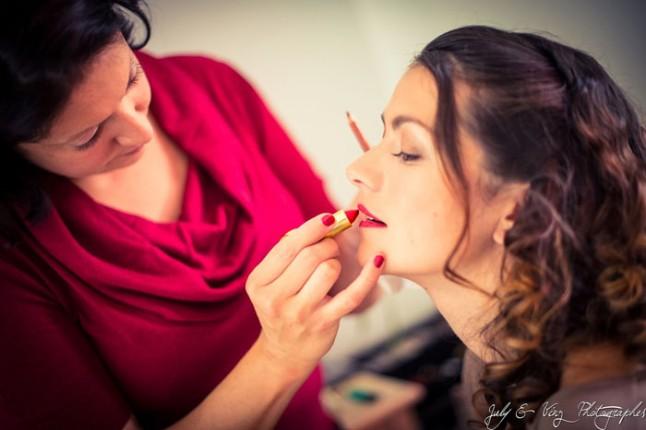 mariage en rouge préparatifs maquillage mariée