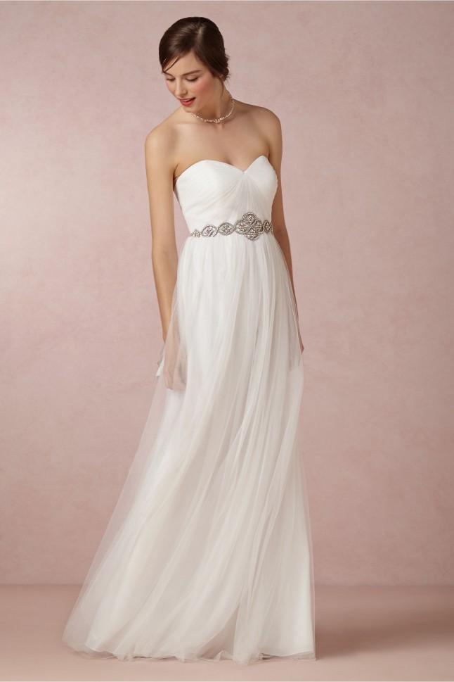 Peut on remettre sa robe de mari e pour renouveler ses for Robes formelles pour 50e anniversaire de mariage