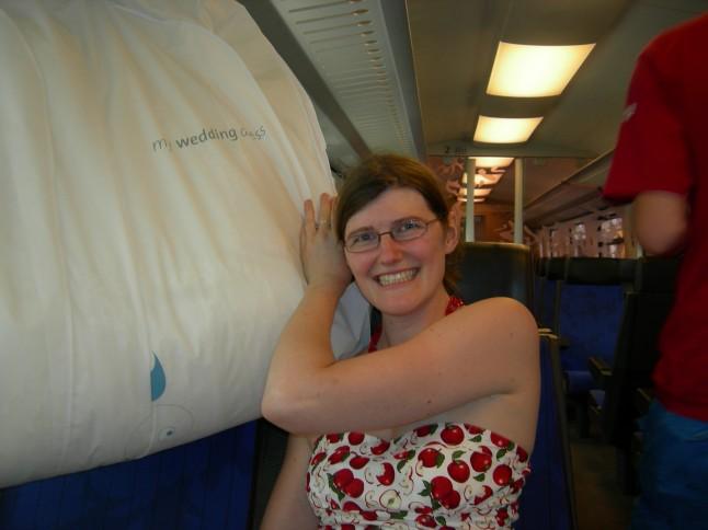 prendre le train avec sa robe de mariée