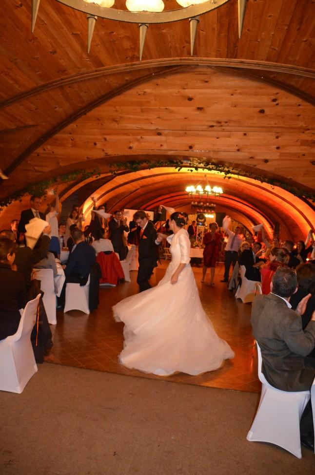 Ouverture de bal rock mariage traditionnel d'automne